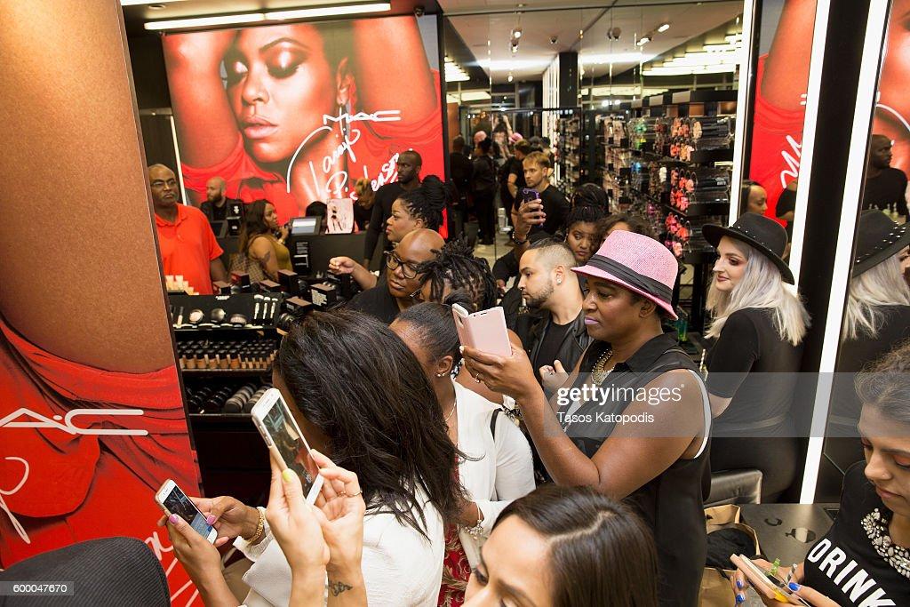 M.A.C Cosmetics Event With Taraji P. Henson At M.A.C Michigan Avenue : News Photo