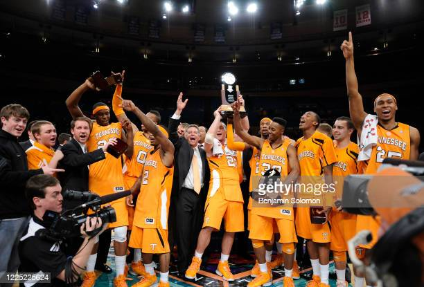 General view of the Tennessee Volunteers celebrating after winning the NIT Pre-Season Tip Off at Madison Square Garden on November 26, 2010 in New...