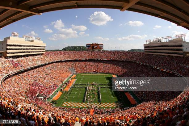 General view of the Tennessee Volunteers taking the field before the start of their game against the Georgia Bulldogs at Neyland Stadium on October...