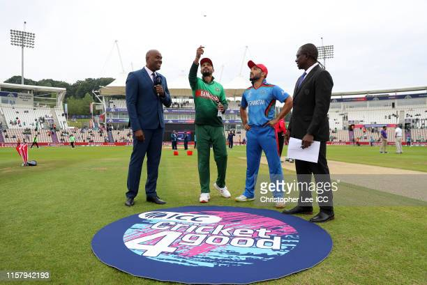 General view of the toss as Mashrafe Mortaza of Bangladesh flips the coin during the Group Stage match of the ICC Cricket World Cup 2019 between...