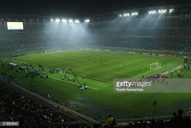 A general view of the Toyota Cup between FC Porto and Once Caldas at Yokohama International stadium on December 12 2004 in Yokohama Japan