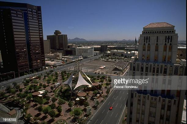 General view of the track during the United States Grand Prix at the Phoenix circuit in Arizona USA Mandatory Credit Pascal Rondeau/Allsport