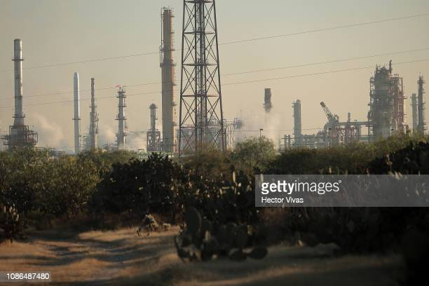 General view of the Tula refinery as part of the fuel crisis after an explosion in a pipeline belonging to Mexican Public Oil Company Pemex on...