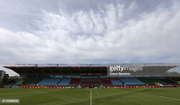 General view of the Twickenham Stoop prior to the Aviva Premiership match between Harlequins and Saracens at Twickenham Stoop on September 24 2016 in...
