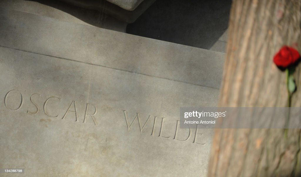 Oscar Wilde's 111th Death Anniversary - Unveiling of  The Newly Renovated Tombstone