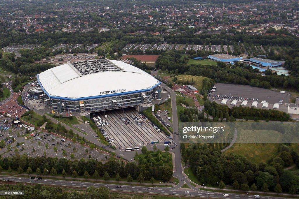 FC Schalke 04 Season Opening : News Photo