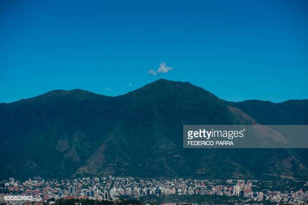 General view of the Waraira Repano mountain also called El Avila in Caracas the Venezuelan capital on January 2 2017 / AFP PHOTO / FEDERICO PARRA