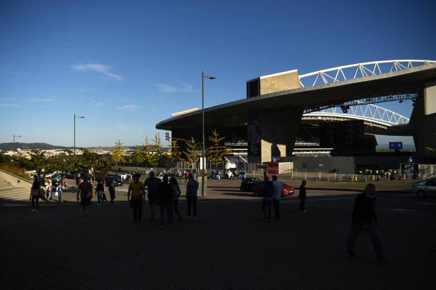 PRT: FC Porto v Liverpool FC: Group B - UEFA Champions League