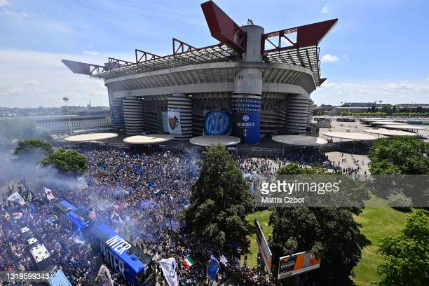 General view outside the stadium as FC Internazionale fans celebrate winning the title as the team bus arrives prior to the Serie A match between FC...