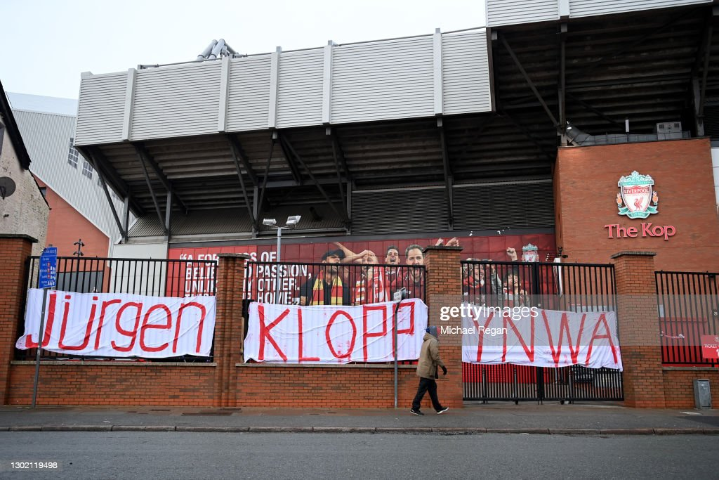 Fans Leave Messages Of Support For Jurgen Klopp Outside Anfield : News Photo