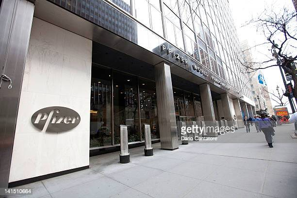 136 Pfizer Building Photos And Premium High Res Pictures Getty Images