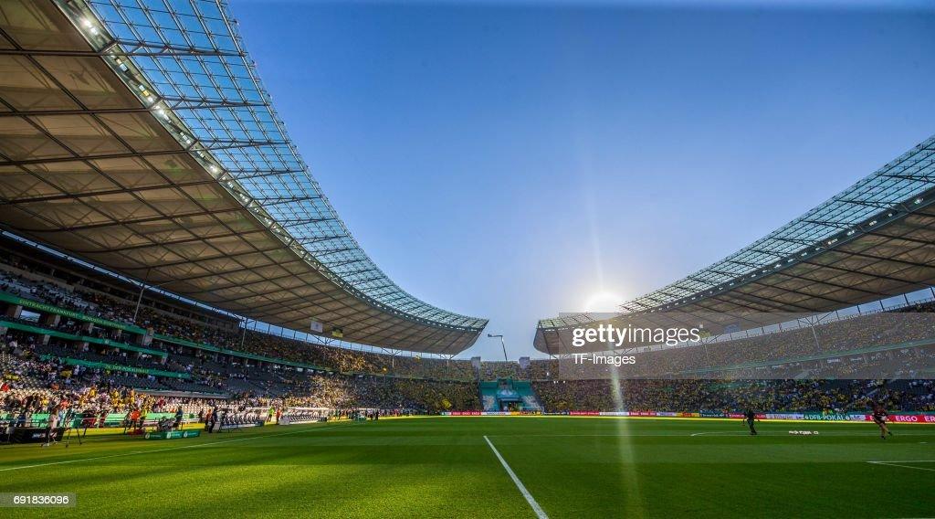 Eintracht Frankfurt v Borussia Dortmund - DFB Cup Final 2017 : Nachrichtenfoto