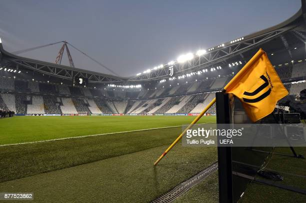 A general view prior to kickoff during the UEFA Champions League group D match between Juventus and FC Barcelona at Allianz Stadium on November 22...