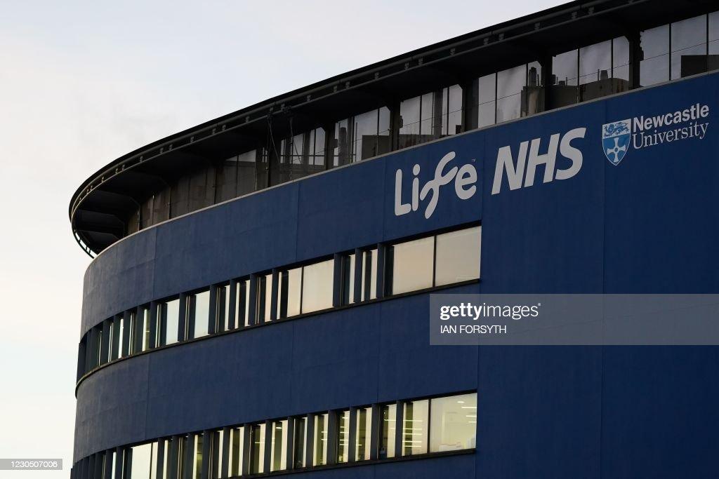 BRITAIN-HEALTH-VIRUS-VACCINES : News Photo