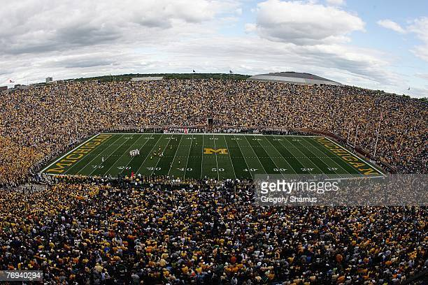 General view shows the Michigan Wolverines game against the Notre Dame Fighting Irish on September 15, 2007 at Michigan Stadium in Ann Arbor,...