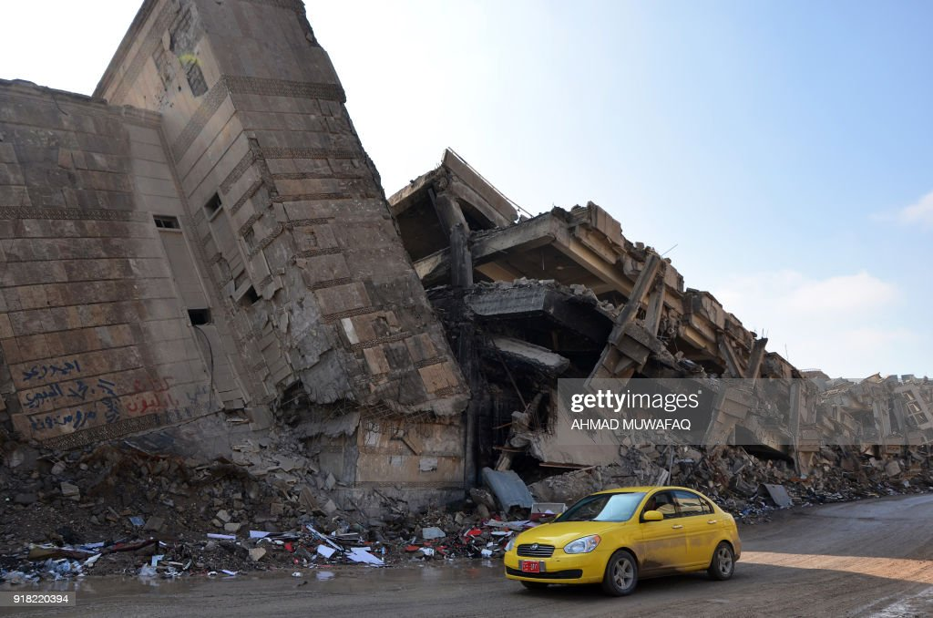 IRAQ-CONFLICT-IS-RECONSTRUCTION : News Photo