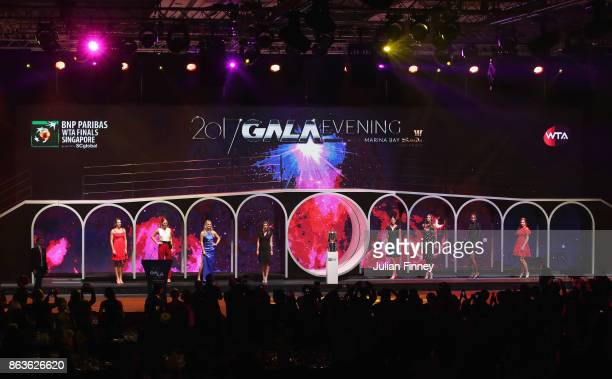 A general view with Caroline Garcia of France Caroline Wozniacki of Denmark Elina Svitolina of Ukraine Simona Halep of Romania Garbine Muguruza of...