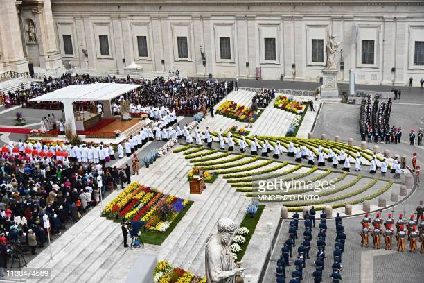 A general views shows St Peter's square ornated with flowers as Pope Francis celebrates the Easter Sunday mass outside St Peter's Basilica on April...