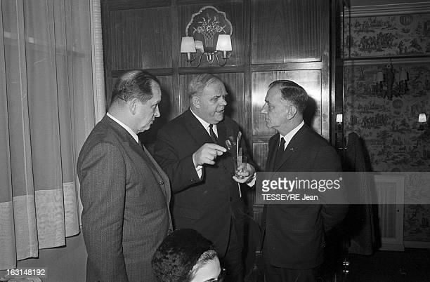 General Yuri Zakharov In Paris. A Paris, en janvier 1968, Visite du général soviétique Youri ZAKHAROV, ancien commandant de l'escadron de chasse...