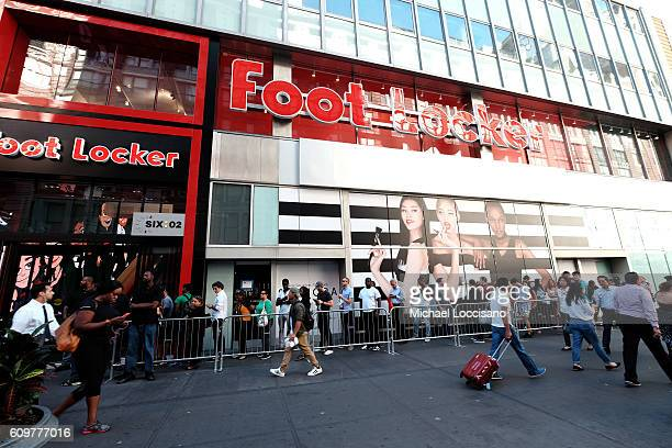 énorme réduction 17527 6df21 30 Usain Bolt Visits The Puma Lab Powered By Foot Locker In ...