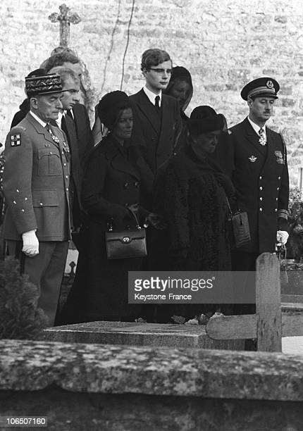 General'S Wife Yvonne De Gaulle With Her Son Philippe De Gaulle Her Daughter Elisabeth Wife Of General De Boissieu In ColombeyLesDeuxEglises'...