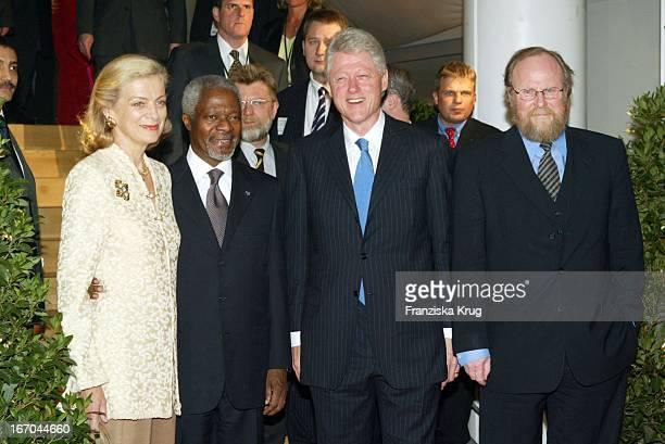 Generalsekretär Und Friedensnobelpreisträger Kofi Annan Und Seine Ehefrau Nane Annan Präsident Bill Clinton Und Bundestagspräsident Wolfgang Tiehrse...