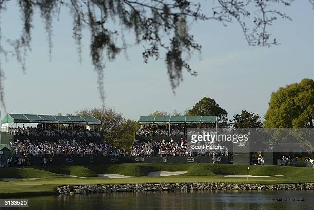General-view of the 18th green during the final round of the Bay Hill Invitational at the Bay Hill Club and Lodge on March 21, 2004 in Orlando,...