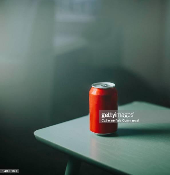 generic, plain, unbranded drink can. - refresco fotografías e imágenes de stock