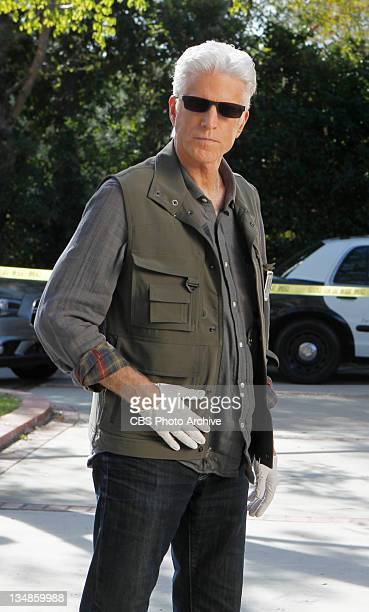 """Genetic Disorder""""- D.B. Russell gets ready to examine what he hopes will be a key in the case, on CSI: CRIME SCENE INVESTIGATION, on the CBS..."""