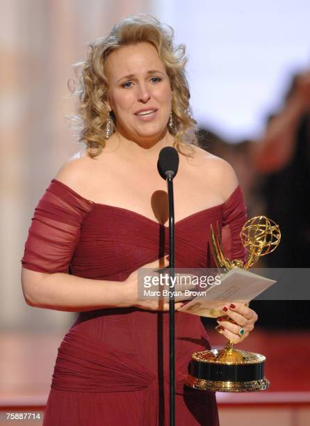 """Genie Francis accepts Outstanding Supporting Actress in a Drama Series award for """"General Hospital"""""""