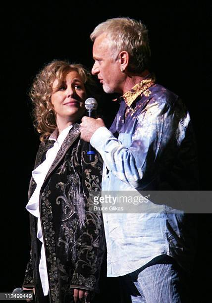 Genie Francis and Anthony Geary as 'Luke and Laura'