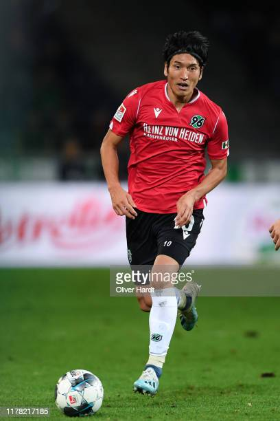 Genki Haraguchi of Hannover 96 runs with the ball during the Second Bundesliga match between Hannover 96 and 1. FC Nürnberg at HDI-Arena on September...