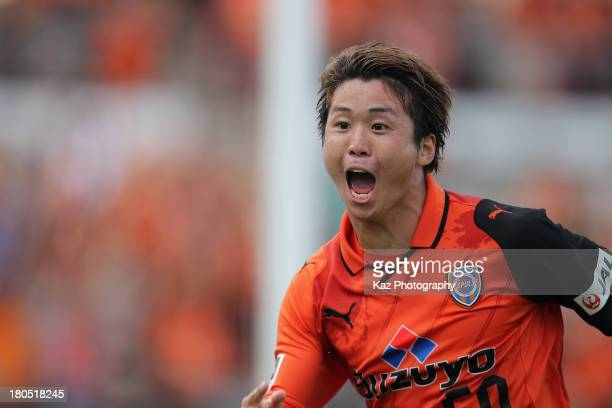 Genki Omae of Shimizu SPulse celebrates scoring his team's second goal during the JLeague match between Shimizu SPulse and Nagoya Grampus at IAI...