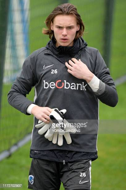 Genk's goalkeeper Maarten Vandevoordt pictured before the start of a training session of Belgian soccer team RC Genk Tuesday 01 October 2019 in Genk...