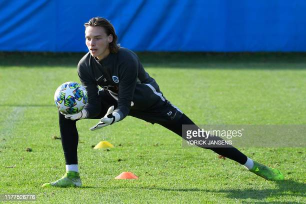 Genk's goalkeeper Maarten Vandevoordt pictured in action during a training session of Belgian soccer team KRC Genk Tuesday 22 October 2019 in Genk in...