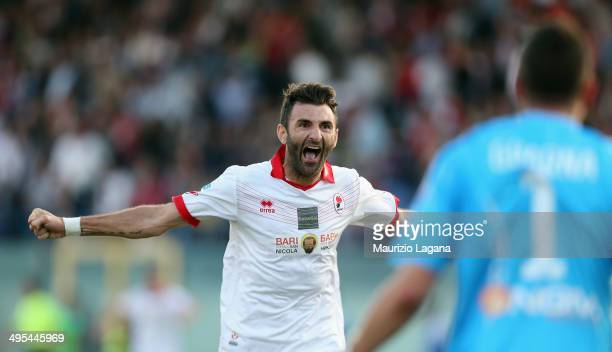 Gennaro Delvecchio of Bari celbrates after the Serie B playoff match between FC Crotone and AS Bari at Stadio Comunale Ezio Scida on June 3 2014 in...