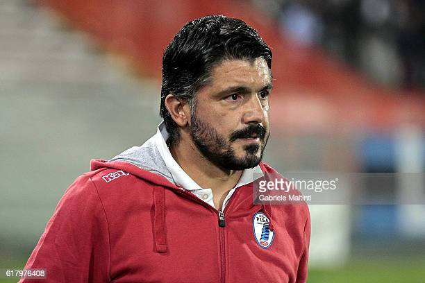 Gennaro Gattuso head coach of AC Pisa looks on during the Serie B match between AC Pisa and Hells Verona at Arena Garibaldi on October 25 2016 in...