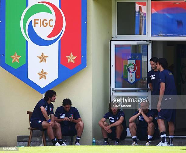 Gennaro Gattuso Marco Borriello Andrea Pirlo Daniele De Rossi Gianluca Zambrotta and Luca Toni of Italy take a break during Italy training at...