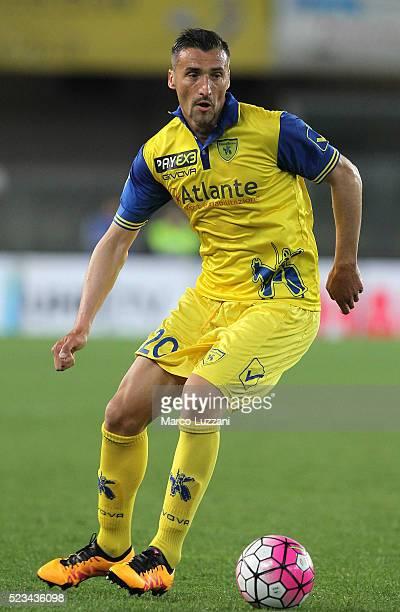 Gennaro Sardo of AC Chievo Verona in action during the Serie A match between AC Chievo Verona and Frosinone Calcio at Stadio Marc'Antonio Bentegodi...