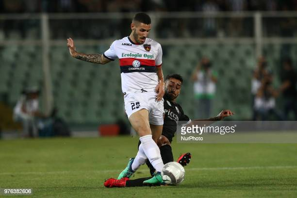 Gennaro Tutino of Cosenza Calcio fight for the ball during the Lega Pro 17/18 Playoff final match between Robur Siena and Cosenza Calcio at Stadio...