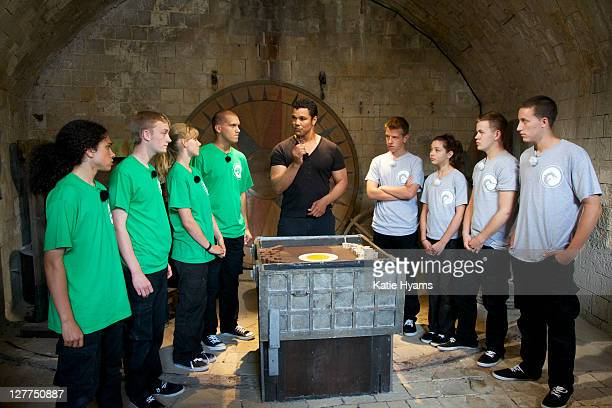 BOYARD Geno Segers and popular British television presenter Laura Hamilton host an exciting competition requiring brainpower courage and teamwork...