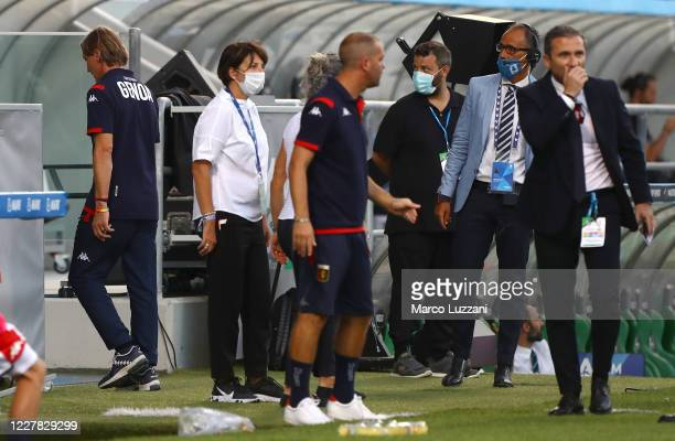 Genoa CFC coach Davide Nicola leaves the pitch after being sent off during the Serie A match between US Sassuolo and Genoa CFC at Mapei Stadium -...
