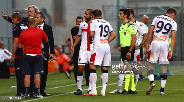 Genoa CFC coach Davide Nicola receives the red card from referee Fabio Maresca during the Serie A match between US Sassuolo and Genoa CFC at Mapei...