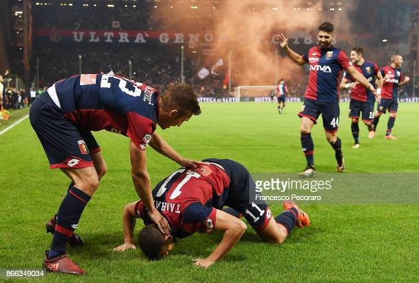 Genoa CFC players and Adel Taarabt of Genoa CFC celebrate the 10 goal scored by Adel Taarabt during the Serie A match between Genoa CFC and SSC...