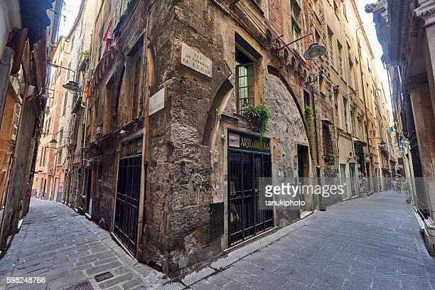 genova old town - イタリア ジェノヴァ ストックフォトと画像