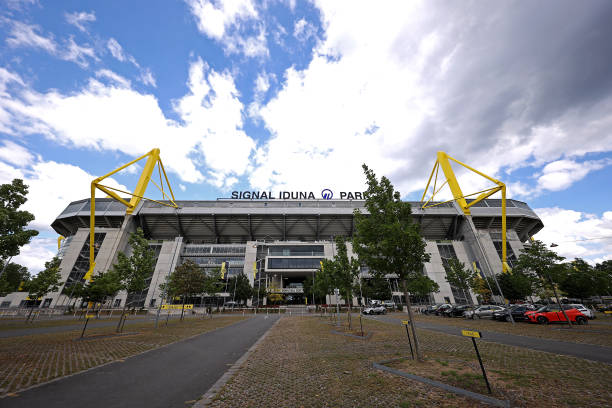 DEU: Borussia Dortmund v Hertha BSC - Bundesliga