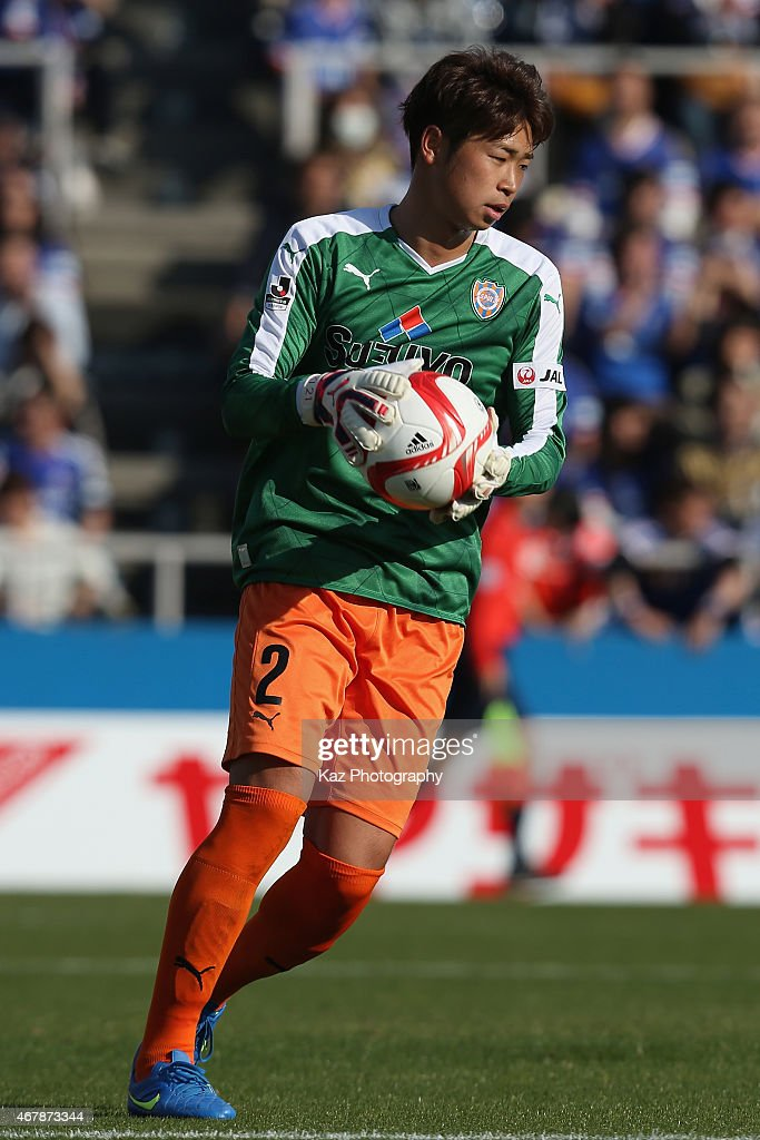 Genta Miura of Shimizu S-Pulse plays as goalkeeper after Kenpei Usui (not pictured) being sent off during the J.League Yamazaki Nabisco Cup match between Yokohama F.Marinos and Shimizu S-Pulse at Nippatsu Mitsuzawa Stadium on March 28, 2015 in Yokohama, Kanagawa, Japan.