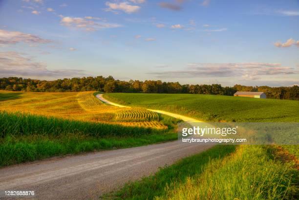 gentile hills - región central de eeuu fotografías e imágenes de stock
