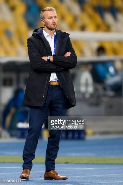 Gents head coach Wim De Decker pictured during a game between Ukrainian club Dynamo Kyiv and Belgian soccer club KAA Gent Tuesday 29 September 2020...