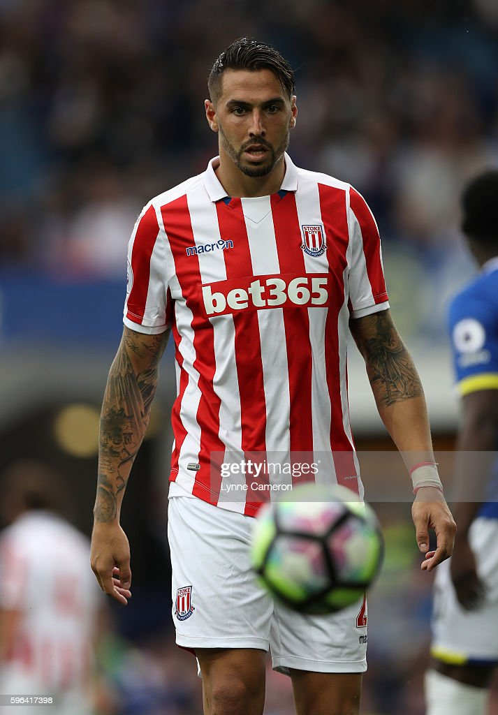 Geoff Cameron of Stoke City during the Premier League match between Everton and Stoke City at Goodison Park on August 27, 2016 in Liverpool, England.